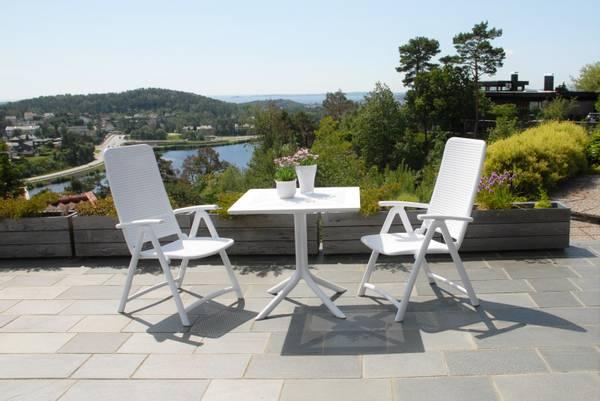 Bilde av Nardi Darsena sett 2 posisjonsstoler+bord 80x80 cm - hvit