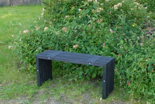 Bilde av EcoFurn D-benk i furu - sort