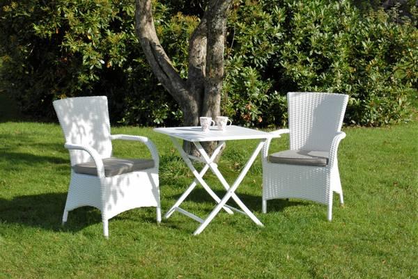 Bilde av Vienna sett 2 stabelbare stoler m/puter+bord 70x70 cm - hvit/patinagrå
